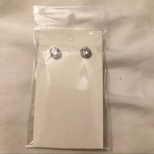 Jewelry - OnSale🎃 Faux Diamond Earings